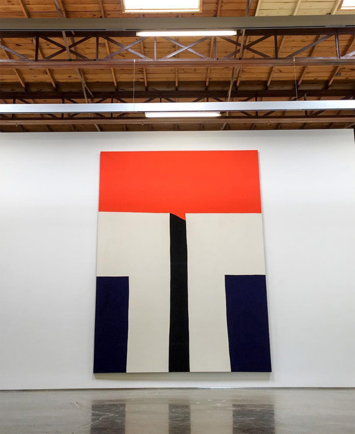 Paul Kremer's paintings are characterized by a graphic minimalism.