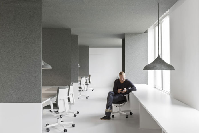 The team of i29 Interior Architects has created a work environment, which is playful and clear designed at the same time.