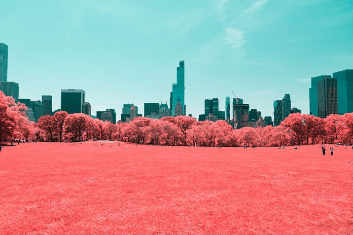 Infrared New York City, a photo series by Paolo Pettigiani.
