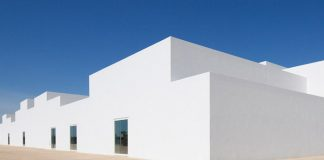Minimalist school design in Portugal by architect Aires Mateus.