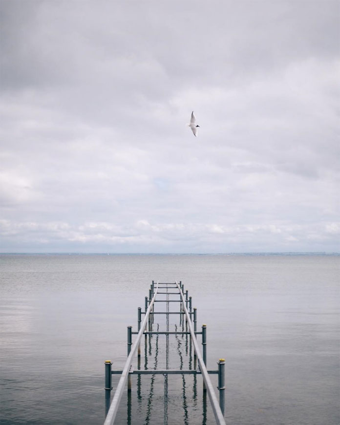 Peaceful and minimalist photography.