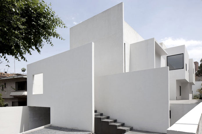 Minimalist architecture by lucio muniain for Modern minimalist architecture