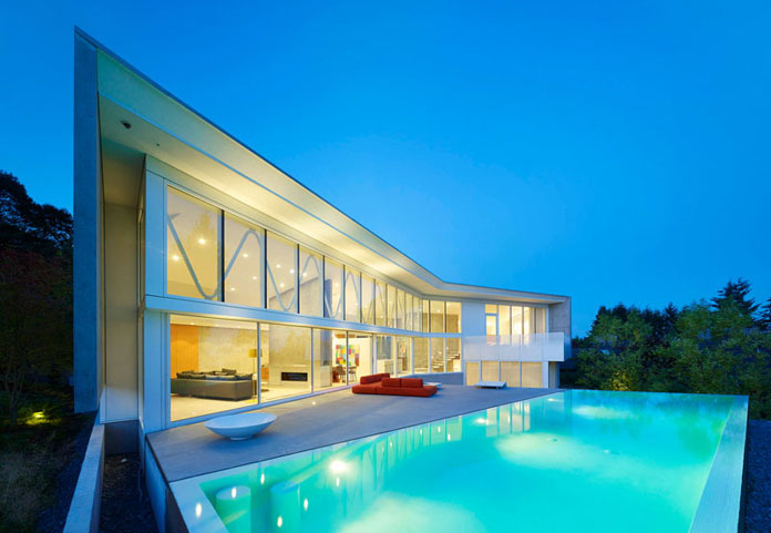 Dream house in vancouver canada for Swimming pool meaning in dreams