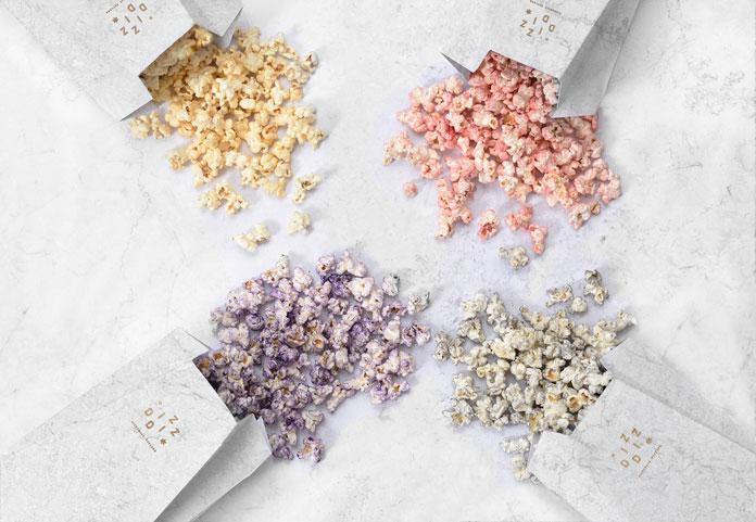 Popcorn in 4 delicious flavors: parmesan, curry, cinnamon, vanilla.