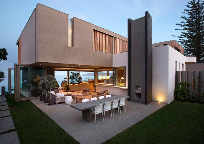 Open transitions between indoor and outdoor spaces.
