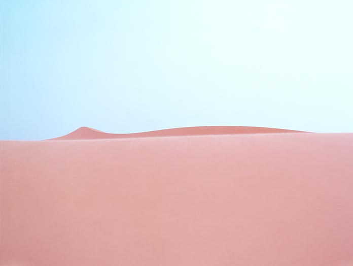 The desert, a disorienting environment.
