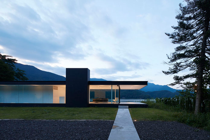 lakeside house in yamanashi  japan