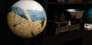 Mars Globe by Planetenkugel Manufaktur.
