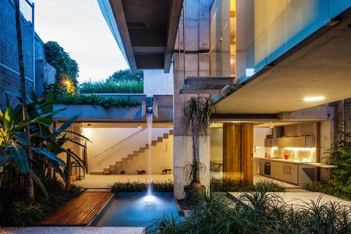 Weekend home in São Paulo, Brazil by SPBR Arquitetos.