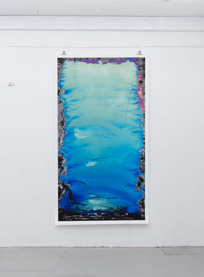The artworks have a size of 110 x 200 cm.