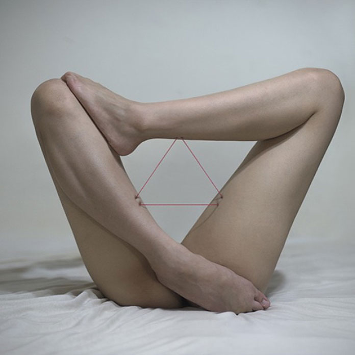 Triangle of legs and thread.