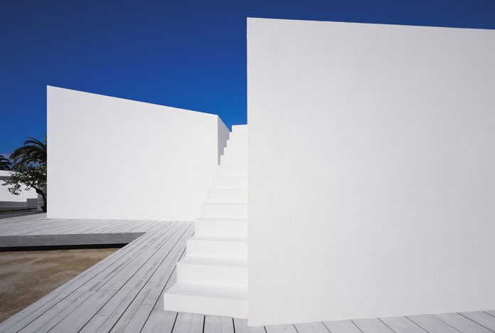 Minimalist Architecture by Carlos Ferrater