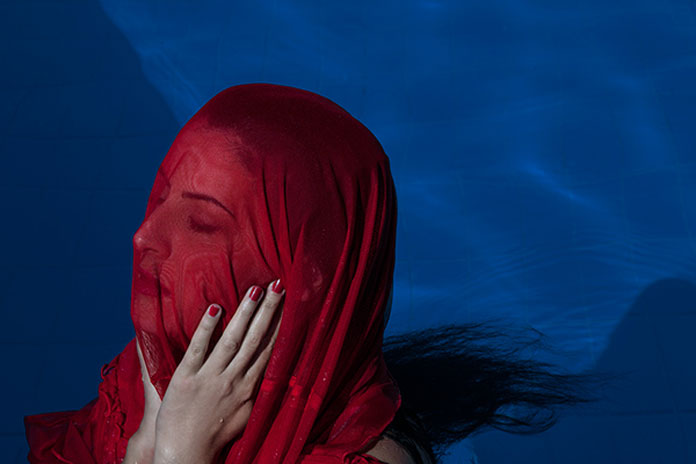 Edvina Meta Photography, Red on blue