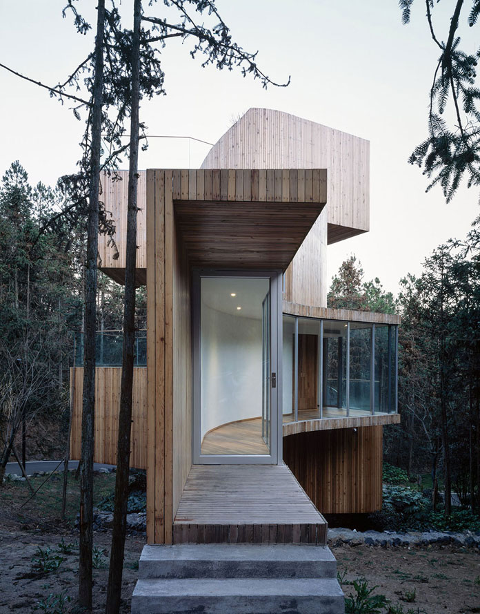 Qiyunshan Tree House by Bengo Studio, Entrance area.