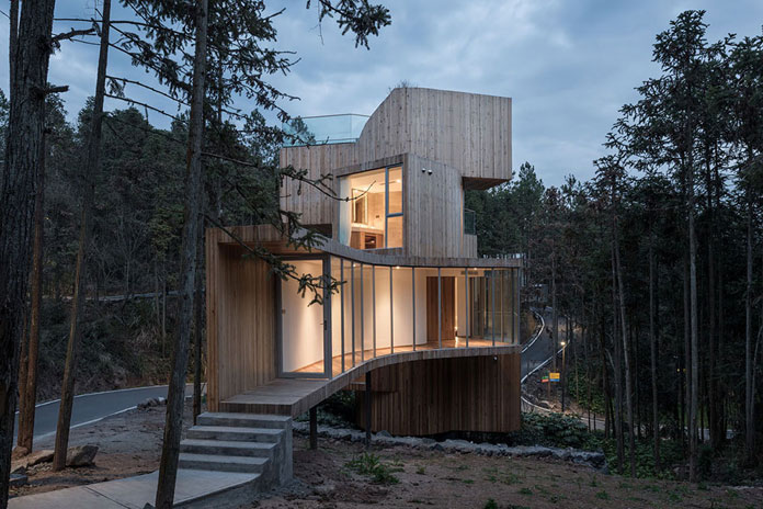 Qiyunshan Tree House by Bengo Studio, Spiral staircase connects all volumes.