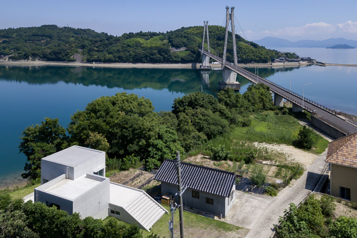 House in Akitsu, Hiroshima, Japan by Kazunori Fujimoto Architects.