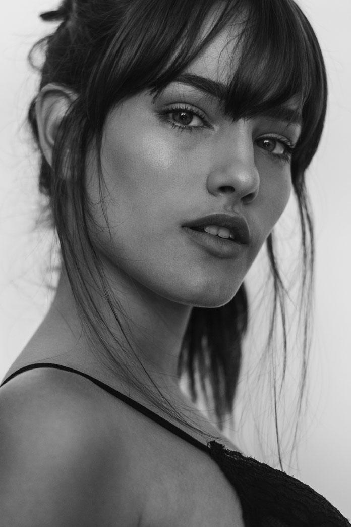 Alejandro Herrera, sensual black and white photography.