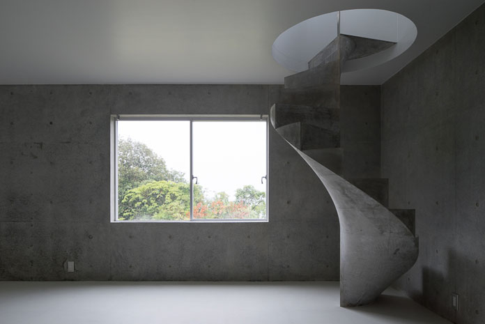 The spiral staircase creates a well balanced twist with its straightforward environment.