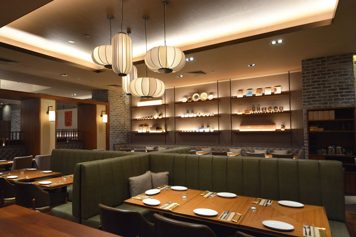 Restaurant interior design by Hirsch Bedner Associates.