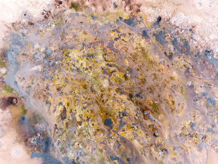 Iceland from above - aerial photography by Kevin Krautgartner, looks like an abstract painting.