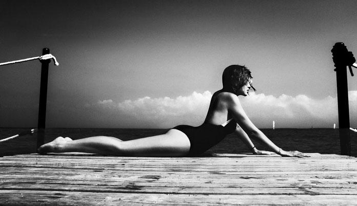 Elizaveta Porodina, sunbathing