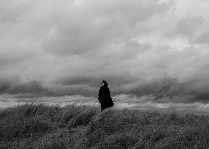 Kim Høltermand Photography, Going for a walk on a windy day.
