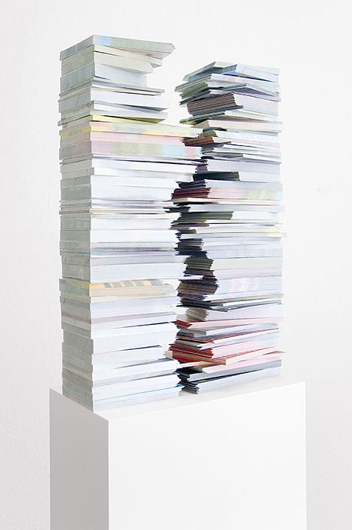Gemis Luciani, External Definition - cutted flyers on plinth