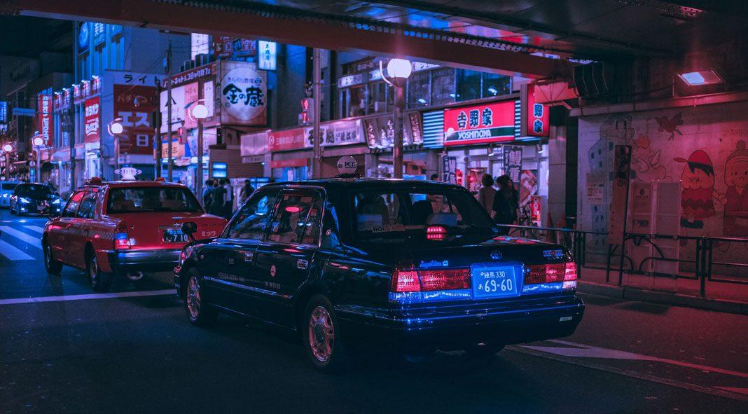 Neon Dreams - exploring Tokyo through the lens of Matthieu Bühler.
