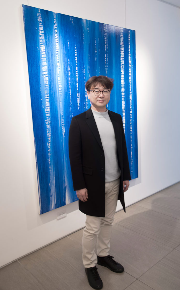 Chae Sung Pil's collection entitled The History of Blue takes viewers on a journey through the various hues of blue pigments and soil.