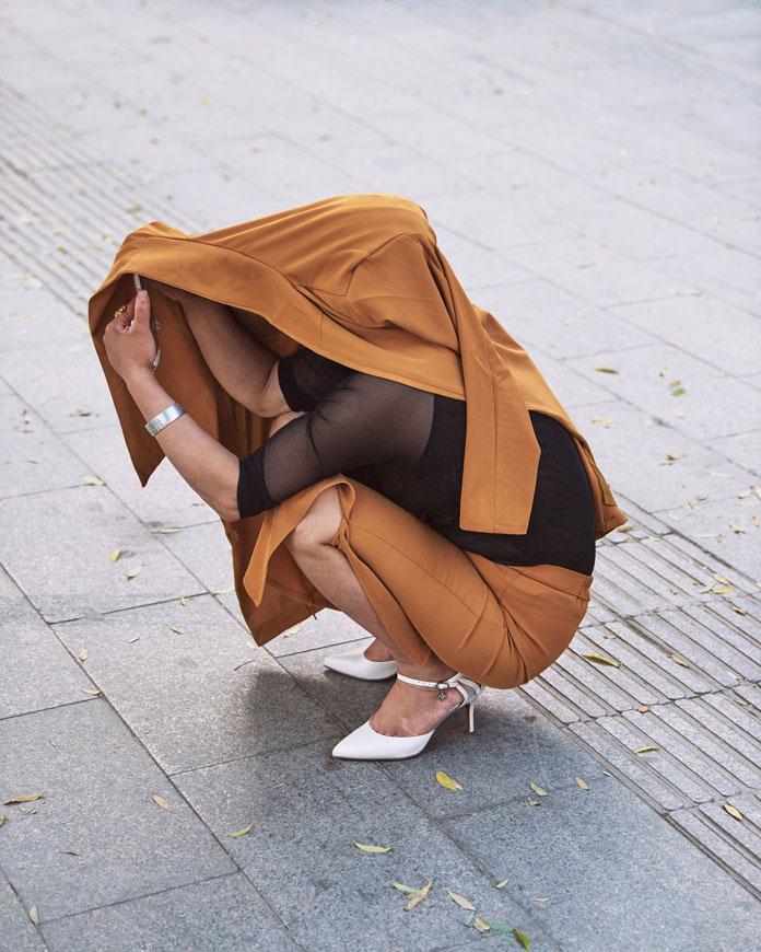 Christian Delfino Photography, Kneeling covered