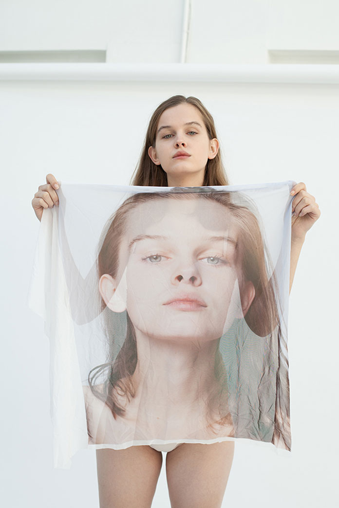 When Fashion is Losing its Sense of Self by Roos van de Kieft.