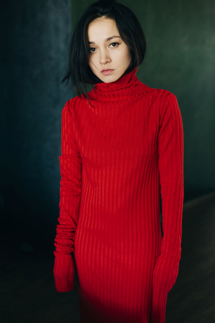 Julia Luzina Photography, Dressed in striking red.