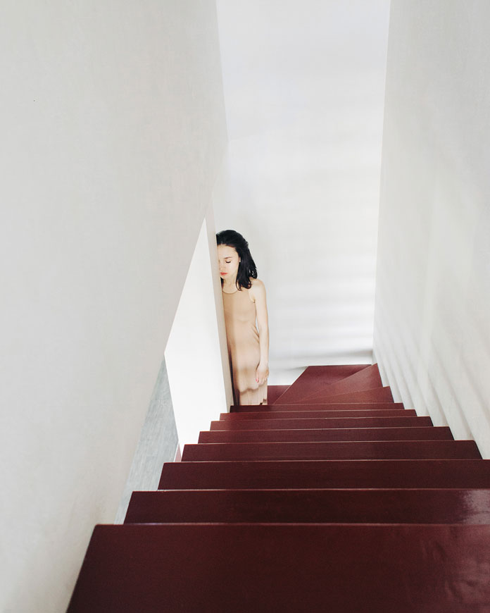 Julia Luzina Photography, Down the stairs.