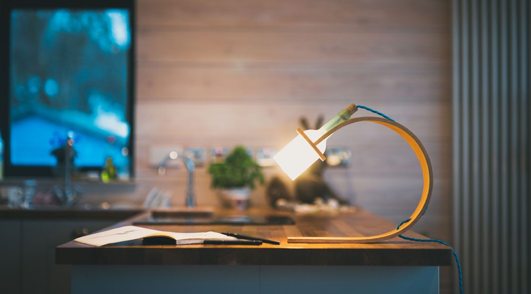 Quercus mk2. – unique desk lamp design by Max Ashford of product studio Greeb.