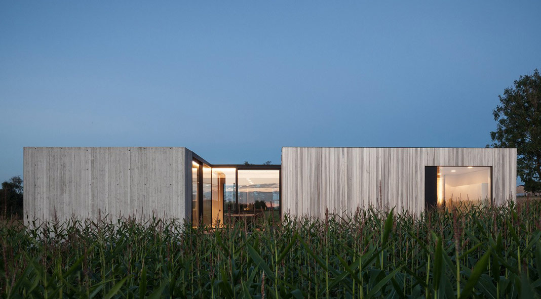 CASWES house - minimalist architectural design by TOOP Architectuur