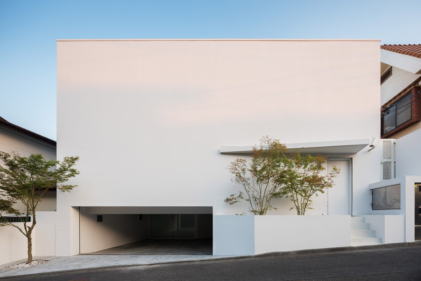 Shichirigahama House by architecture firm SNARK.