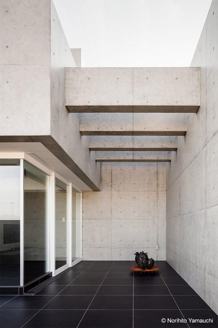 Tranquil House in Shiga, Japan by FORM/Kouichi Kimura Architects