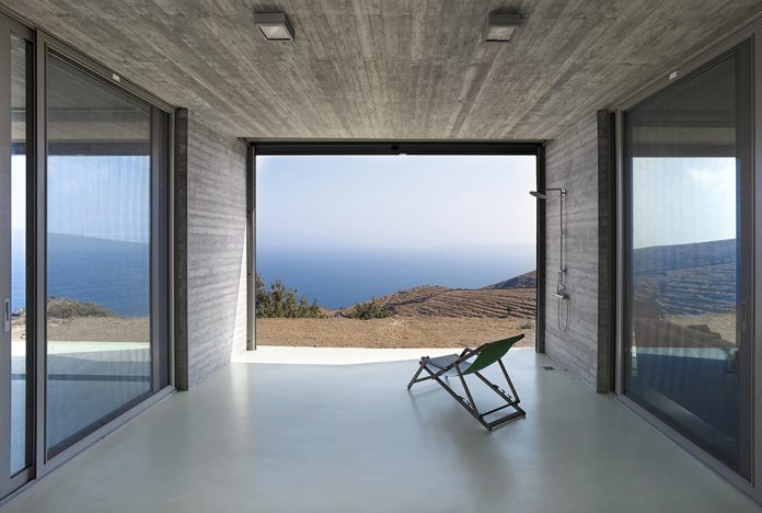 Parallel House by En Route Architects and Kokkinou Kourkoulas Architects & Associates
