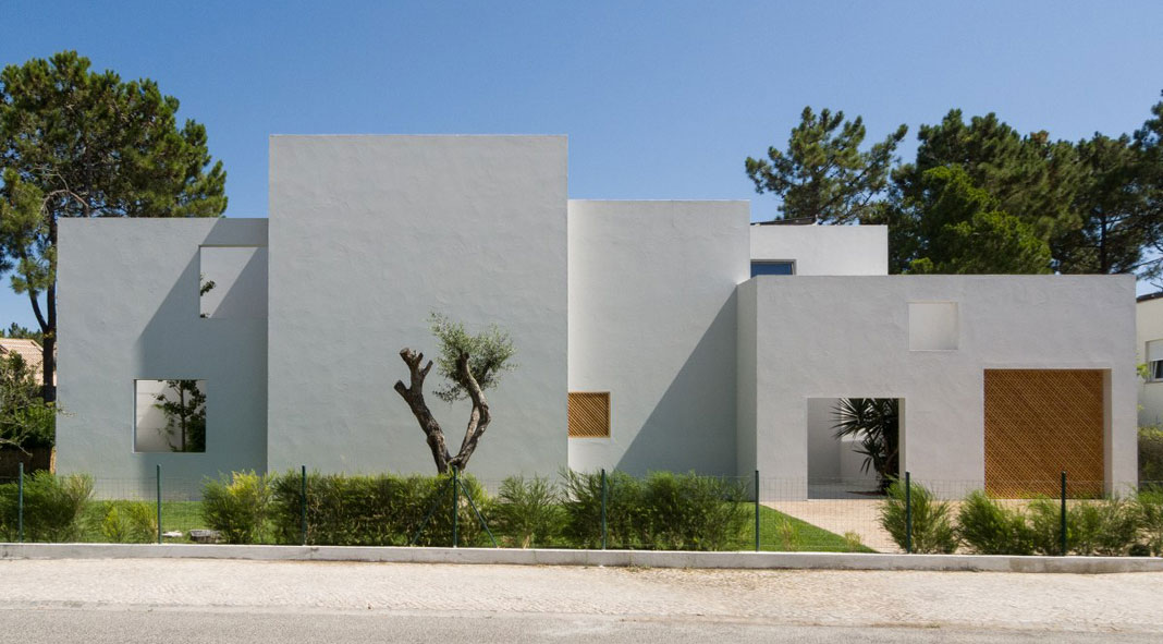 Minimalist House By Architecture Firm Miguel Marcelino