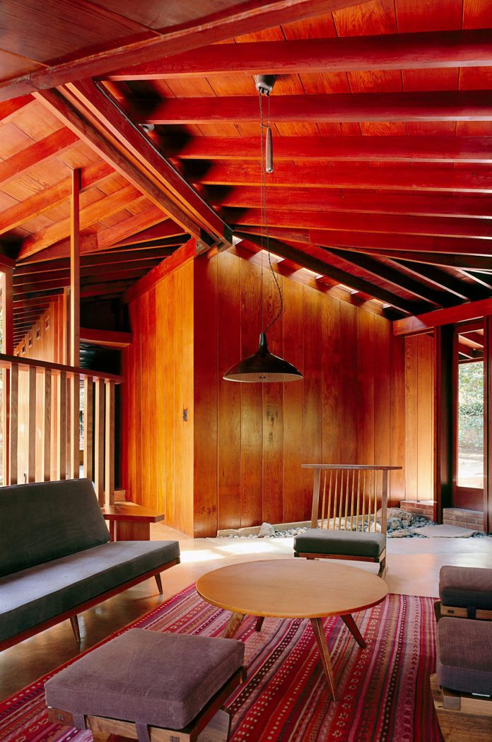 Photo by Joe Fletcher of a John Lautner mid-century house renovated by Park McDonald.