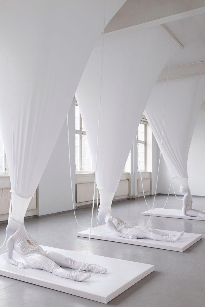 Elastic Bonding by artist Malin Bülow.