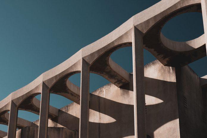 Concrete: Tel Aviv architecture photographed by Mariyan Atanasov.