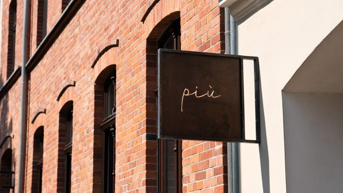 Graphic design and branding by HUGMUN.STUDIO for PIÙ.