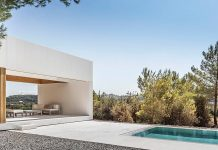 A house in Sant Mateu, Ibiza by architecture studio Marià Castelló.