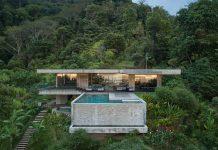 A luxury concrete villa designed by architecture studios Formafatal and Refuel Works for ArtVillas Costa Rica.