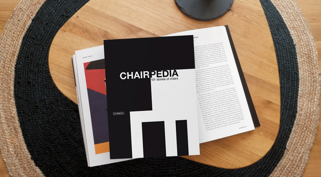 Chairpedia book review by WE AND THE COLOR