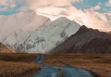 3 M41 (Pamir Highway) travel photography by Øystein Sture Aspelund.