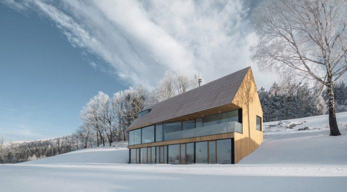 House in Krkonoše by Fránek Architects
