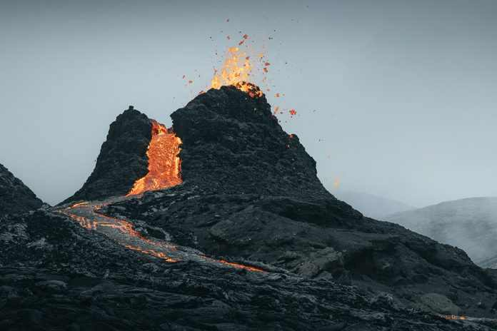 NEW EARTH—eruption in Iceland photographed by Thrainn Kolbeinsson