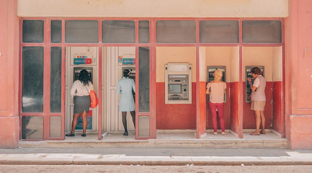 Cuba street photography by Vincent Versluis